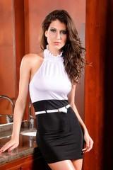Galanto dámské černobílé šaty s opaskem